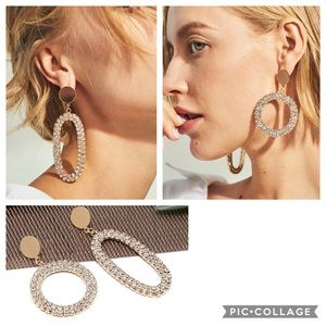 Jewelry - asymmetric Oval & Round Drop Earrings